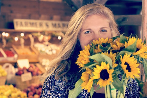farmer's market woman_Unsplash